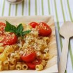 Pasta ai pomodorini e mollica croccante e nuovi abiti