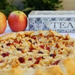 Torta rapida di mele e mirtilli rossi