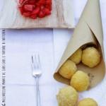 Mozzarelline panate al cous cous e tartare di datterini