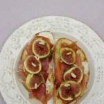 Crostini con fichi, culatello e gorgonzola
