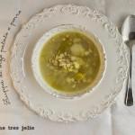 Zuppa di orzo patate e porro