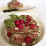 Roastbeef con salsa ai lamponi