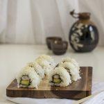 Sushi uramaki ai gamberi