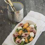 Insalata di melone mortadella e pistacchi