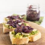 Avocado toast: tre ricette veloci e salutari